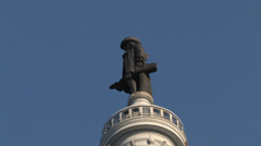 William Penn Statue city hall zoom out Stock Footage