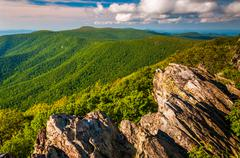 View of the appalachian mountains from a cliff on hawksbill summit, in shenan Stock Photos