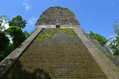 Mayan temple nr five in tikal, guatemala Stock Photos