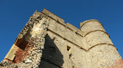 Looking up at Donnington Castle ruins (dolly) Stock Footage