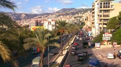 Liikenne tukkii tiet Beirut, Libanon. Arkistovideo