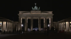 Stock Video Footage of 101 Berlin, Brandenburger Tor by night with people