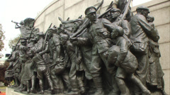 World War 1 Memorial sculpture Stock Footage