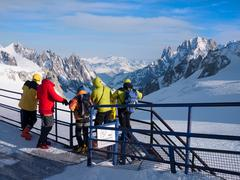 Stock Photo of tourists in vallèe blanche