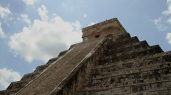 Kukulkan Pyramid at Chichen Itza. Stock Footage