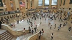 A crowd of people in Grand Central Station in Manhattan, New York Stock Footage