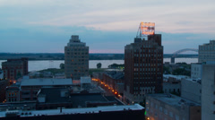 Timelapse, Memphis TN, sunset, downtown lights up Stock Footage