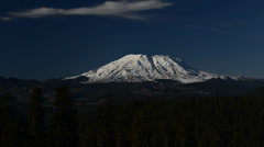 High def zoom on mount st. helens on a clear day Stock Footage