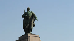 Berlin Tiergarten WWII Memorial soldier statue Stock Footage