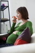 asthma treatment pregnant woman - stock photo