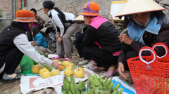 Asian peole in rural market Stock Footage