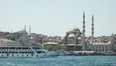 Uusi moskeija Istanbulissa Turkissa (Pääkirjoitus) Arkistovideo