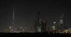 Ultra HD 4K UHD valaistu light Ilta Yö Dubai Skyline Pilvenpiirtäjät Towers Arkistovideo