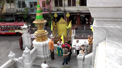 Thailand Bangkok 012 from above, temple stairs down to the street Stock Footage