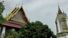 Thailand Bangkok 030 trees and buildings of wat pho temple Stock Footage
