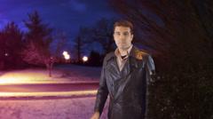 Etsivä rintanappi poliisin valot Arkistovideo