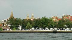 Thailand Bangkok 101 see the areal of royal palace from Chao Phraya River Stock Footage