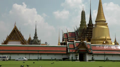 Thailand Bangkok 071 part of royal palace behind a wall Stock Footage