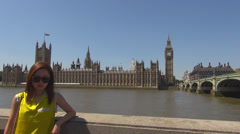 People take photo London Parliament House Tower Clock Big Ben Westminster bridge Stock Footage