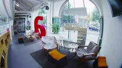 Sisäkuva luovan toimistotilaa ilman ihmisiä Arkistovideo