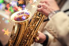 Pelissä saksofoni Kuvituskuvat