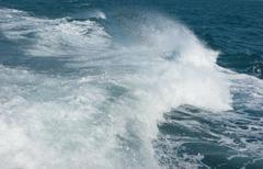 Vanavedessä pikaveneellä Kuvituskuvat