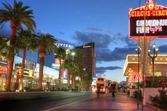 Las vegas, january 31: las vegas strip at sunset on january 31, 2014 in las v Stock Photos