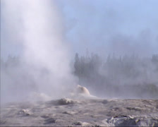 Old Faithful geyser erupts at Yellowstone National Park - start Stock Footage
