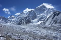 Khumbu glacier with changtse, everest and nuptse, sagarmatha national park, u Stock Photos