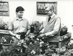 Esitä Earl Carnavon vuonna 1980 Kuvituskuvat