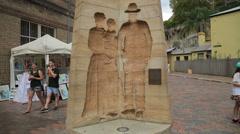 Tilt up settlers monument, playfair street, the rocks, sydney, australia Stock Footage