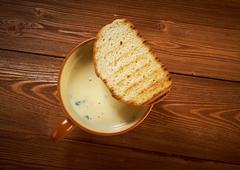 Zuppa d'aglio in crosta Stock Photos