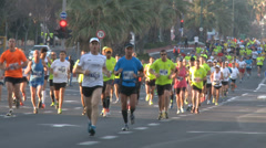 TEL-AVIV - Febuary, 28: crowd of runners on Tel-Aviv Marathon Stock Footage
