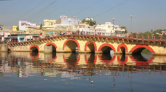 Bridge over Pichola lake in Udaipur India Stock Footage