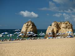 Beach of praia da rocha in portimao, algarve, portugal Stock Photos