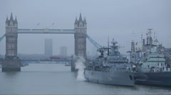 F216 German Frigate SCHLESWIG-HOLSTEIN with Tower Bridge in London Stock Footage
