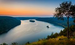 View of the susquehanna river at sunset, from the pinnacle in southern lancas Stock Photos