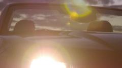 Matkustaja saa pois pysäköityyn autoon To Dance Arkistovideo