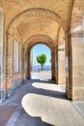 Arch syötön Diano d'Alba, Italia. Kuvituskuvat
