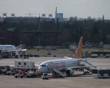 Pegasus airlines tc-cpc boeing 737-82r jet airplane apron maintenance dusseld Stock Footage