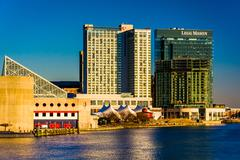 The legg mason building and marriott waterfront hotel in the inner harbor of  Stock Photos