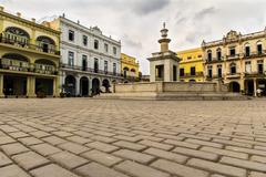 Plaza vieja in la havana Stock Photos