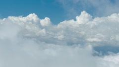 Sukeltaa raskaat pilvet. Arkistovideo