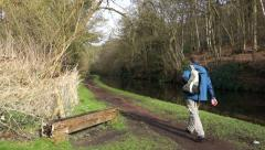 Man Walking The Mercian Way Staffs & Worcs Canal, Worcestershire England Stock Footage