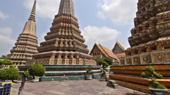 Wat pho in bangkok, temple of reclining buddha Stock Footage