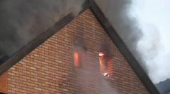 Brand eines Wohnhauses 2 Stock Footage