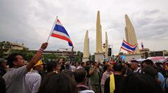 Anti-government protesters gather at democracy monument Stock Photos