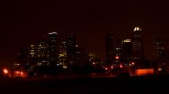 Pilvenpiirtäjät / Rakennus Houstonissa Texasissa yöllä Kaupunki / 3 Arkistovideo