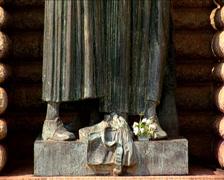 Voortrekker Vrou statue outside the Voortrekker Monument Stock Footage