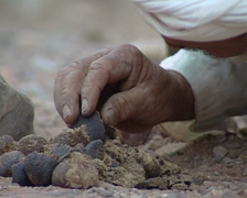 Beber make fire in the Sahara desert Stock Footage